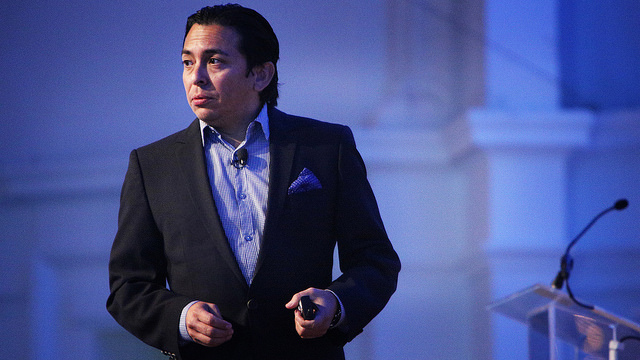 Experience: When Business Meets Design – Brian Solis at the Vision Critical Customer Intelligence Summit